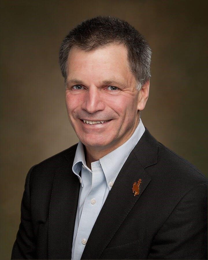 Photo de Mark Gordon, nouveau gouverneur du Wyoming et pro-cryptomonnaie