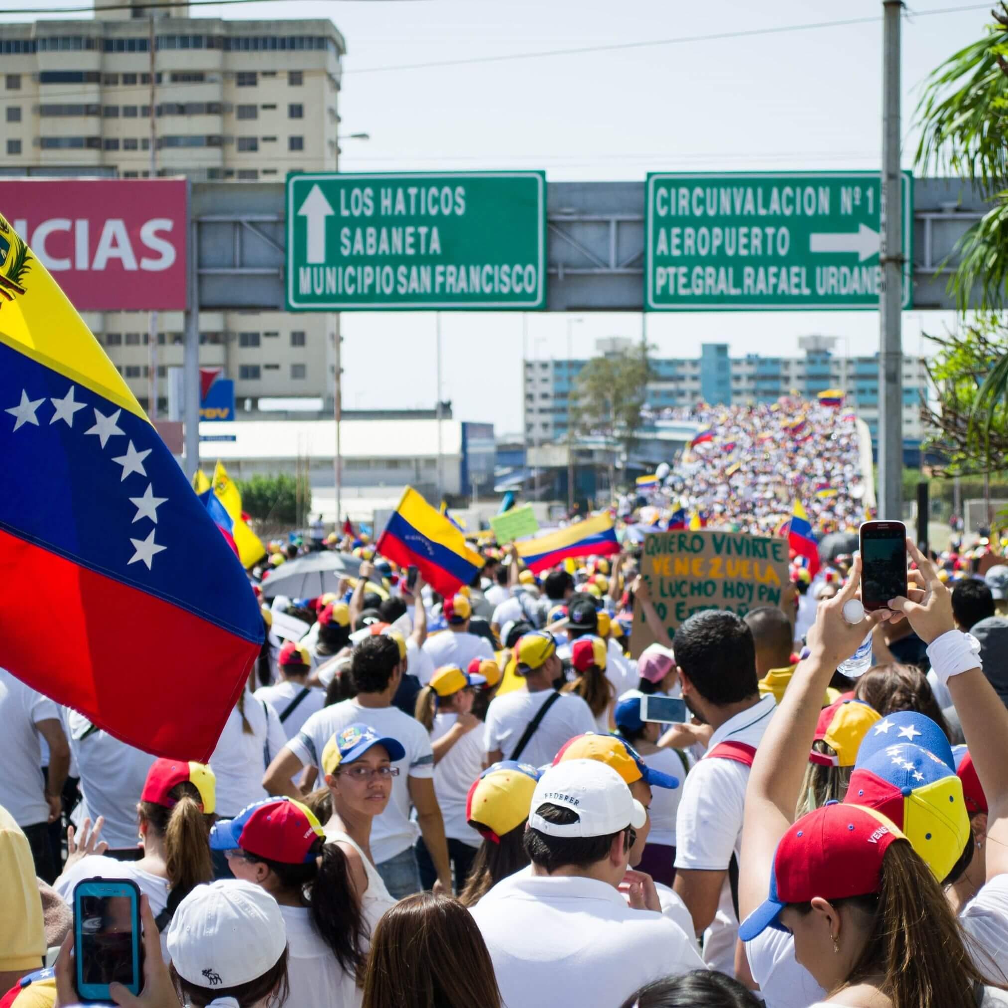 La crise au Venezuela. La crypto Dash peut-elle aider? Photo d'une manifestation