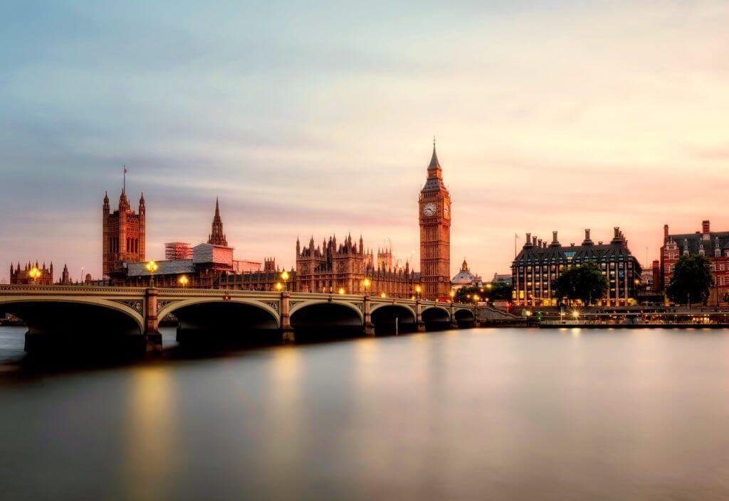 legisladores británicos sobre criptomonedas