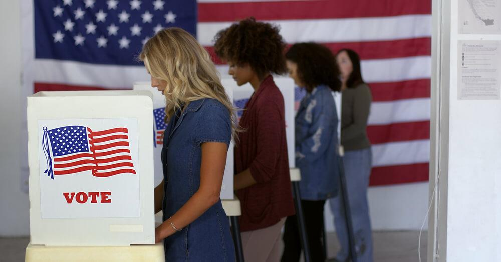 Le vote dans un bureau de vote